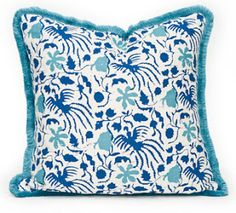 THROW A PILLOW ON IT: THROW AND CO. AND YOUR SET TO GO @Stylebeat Marisa Marcantonio