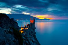 27 Inspiring Places to See Before You Die/ Swallow's Nest Yalta