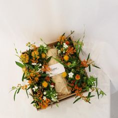 Flowerbox  #liziday #flower #florist #flowershop #handtied #flowergram #flowers #flowerarrange #flowerlesson #koreaflower #flowerclass #리지데이 #플로리스트 #꽃다발 #꽃박스 #꽃스타그램 #花 #花艺师 #花卉研究者 #花店 #花艺  kakao talk ID : 리지데이