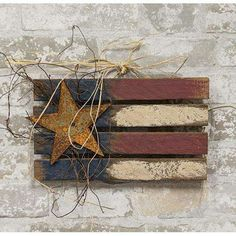 Rustic Americana Decor, Rustic Wood Crafts, Primitive Wood Crafts, Americana Crafts, Patriotic Crafts, Wooden Crafts, Diy Wood, 4th July Crafts, Fourth Of July Decor