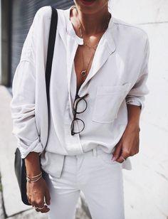 Le parfait total look blanc #26 (chemise AYR - photo Andy Csinger)