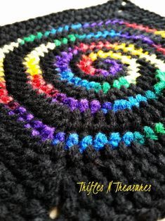 The Stained Glass Spiral Crochet Granny Square is a beautiful spiral afghan square! Use up your leftover variegated and ombre yarn to make the spiral, mixed with a contrasting solid color for an amazing look! squares will make a fun throw. Crochet Blocks, Granny Square Crochet Pattern, Crochet Squares, Crochet Granny, Crochet Motif, Diy Crochet, Crochet Baby, Crochet Patterns, Easy Patterns