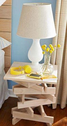 Une table de nuit en bois naturel à faire soi-même.
