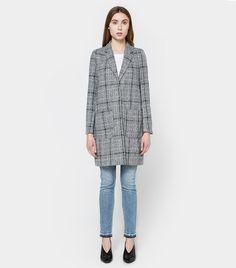7ba94c9c2bea3 6 Things All Stylish Women Will Wear in the Next 30 Days · Oversized Coat Plaid PatternMinimal FashionWho What WearBeautiful OutfitsStatement  JacketsSpring ...