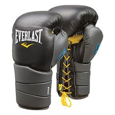 Everlast Evergel Laced Training Boxing Gloves DESCRIPTION EverGel provides state-of-the-art force dispersion. Kickboxing Gloves, Everlast Boxing Gloves, Boxing Fight, Mma Boxing, Heavy Bag Workout, Sparring Gloves, Mma Equipment, Boxing Training, Handbags Michael Kors