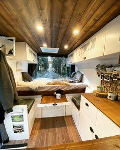Sprinter Camper, Vw Lt Camper, Build A Camper Van, Mini Camper, Camper Interior Design, Campervan Interior, Van Conversion Interior, Camper Van Conversion Diy, Motorhome