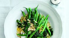 Green Beans with Almonds, Oregano and Lemon