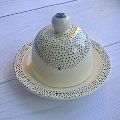 Ceramic butter or lemon or garlic or. Ceramics Ideas, Butter Dish, Garlic, Lemon, Pottery, Hand Painted, Dishes, Instagram Posts, Handmade