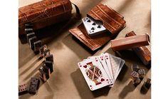 Burberry http://www.vogue.fr/mode/shopping/diaporama/un-noel-a-las-vegas-cadeaux/16808/image/893547#!burberry-set-de-jeux