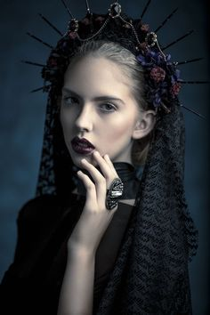 Artistic fashion photography headdress, fatale, high fashion photography, p Artistic Fashion Photography, Photography Women, Video Photography, Beauty Photography, Portrait Photography, Steampunk, Looks Style, Looks Cool, Gothic Chic