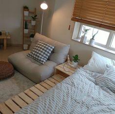 Interior Living Room Design Trends for 2019 - Interior Design Room Design Bedroom, Room Ideas Bedroom, Home Room Design, Small Room Bedroom, Bedroom Decor, Deco Studio, Minimalist Room, Aesthetic Room Decor, Beige Aesthetic