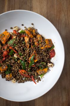 want to make this http://thefoodblog.com.au/2012/06/puy-lentil-salad-with-hazelnuts-preserved-lemons-thyme-and-isot-pepper.html