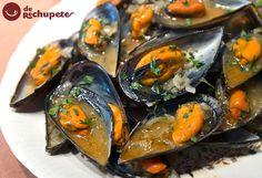 Mejillones a la Marinera (Mussels Fisherman Style) Fish Dishes, Seafood Dishes, Fish And Seafood, Easy Cooking, Cooking Recipes, Healthy Recipes, Fish Recipes, Seafood Recipes, Ocean Food