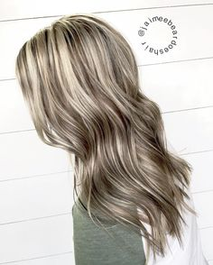 Blonde and brown contrast  chunky highlights chunky lowlights for dimension