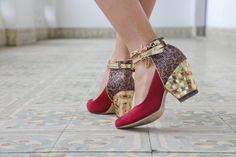 Sandália dourada e vermelha, com toque de animal print http://vilamulher.com.br/moda/estilo-e-tendencias/look-com-sandalia-dourada-e-vermelha-14-1-32-2952-e-149.html