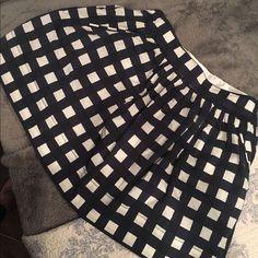 Banana Republic checker skirt Never worn. Banana Republic Skirts Circle & Skater