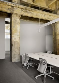 Sempla Offices by DAP Studio - Love the contrast