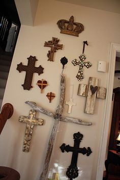 Love this cross wall and her reason for the crown on top - Jesus is King of Kings! looks like my wall