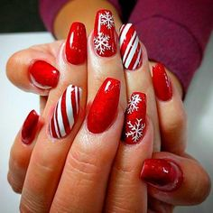 45 Amazing Christmas Nail Art Design You Can Try Xmas Nail Art, Cute Christmas Nails, Christmas Nail Art Designs, Xmas Nails, Winter Nail Designs, Holiday Nails, Winter Christmas, Elegant Christmas, Christmas Design