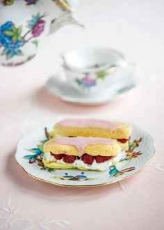 Eclairs, Croissants, Healthy Recipes, Healthy Food, Bon Appetit, Biscotti, Panna Cotta, Muffins, Tea Cups
