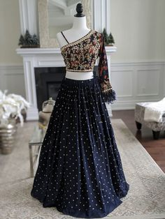 Party Wear Indian Dresses, Party Wear Lehenga, Indian Gowns Dresses, Dress Indian Style, Indian Fashion Dresses, Indian Wedding Outfits, Indian Designer Outfits, Indian Outfits, Bridal Lehenga
