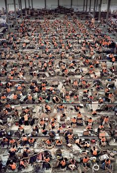Andreas Gursky. Encapsulating chaos