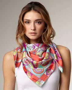 mettre foulard carre femme Porter Foulards, S habiller Avec Un Foulard,  Foulard Carré 497a2dde69d