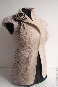 Inspiring me to Needlefelt my own corset for a Victorian dress. Nuno Felting, Needle Felting, Knit Vest Pattern, Creative Textiles, Boho Diy, Crochet Videos, Felt Art, Sewing Clothes, Handmade Crafts