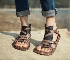 Chaussures, sandales en cuir, cuir chaussures, chaussures plates, Summer chaussures sandales la main de la femme, chaussures sandale personnelle par HerHis sur Etsy https://www.etsy.com/fr/listing/191160336/chaussures-sandales-en-cuir-cuir