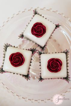 Fondant Fancies. Glitter Rose fondant fancies. www.sweetnessonline.co.uk