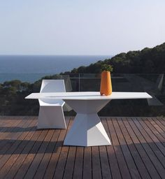 Silla y mesa Vertex  - Karim Rashid