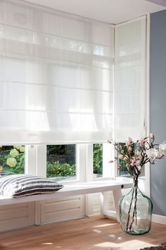 Home Blinds White Room Curtain Interior design Green Window treatment House Blinds, Blinds For Windows, Curtains With Blinds, Gypsy Curtains, Living Room Blinds, Roman Curtains, Window Blinds, Window Coverings, Window Treatments