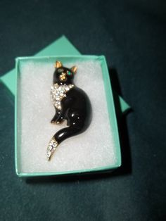 Vintage Cat Brooch    Christmas gift idea by mariehuddleston, $47.00