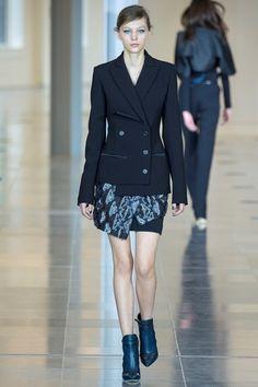 Sfilata Antonio Berardi Londra - Collezioni Autunno Inverno 2015-16 - Vogue