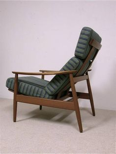 Arne Vodder Lounge Chair. Model 164 lounge chair designed by Arne Vodder produced by France & S
