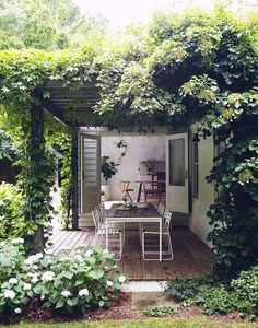 Amagansett house with patio doors on garden room Outdoor Rooms, Outdoor Gardens, Outdoor Decor, Indoor Outdoor, Outdoor Living Spaces, Outdoor Retreat, Outdoor Photos, Outdoor Events, Outdoor Entertaining