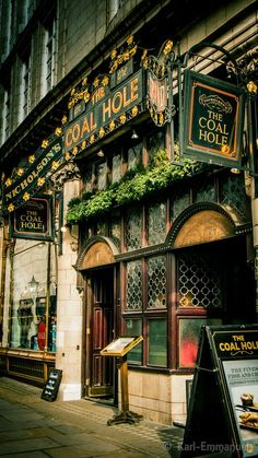 If you ever want a taste of British culture and have a jolly good time, now you know where to go :)   LONDON'S FAMOUS TRADITIONAL PUBS – WHERE DRINKING BEER IS AN ART FORM