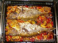 Συναγρίδα με πράσα, κρεμμύδια και πολλά μυρωδικά #sintagespareas Greek Recipes, Fish Recipes, Seafood Recipes, Snack Recipes, Cooking Recipes, Healthy Recipes, Recipies, Greek Cooking, Cooking Time