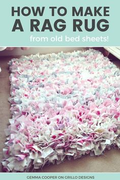 How To Make A DIY Rag Rug - Using Old Bedding Rag rug idea for a girls bedroom . How To Make A DIY Rag Rug – Using Old Bedding Rag rug idea for a girls bedroom Home Crafts, Kids Crafts, Diy And Crafts, Diy Crafts Rugs, Kids Diy, Decor Crafts, Easy Crafts, Easy Diy, Rag Rug Diy