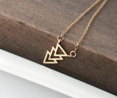 Gold Arrow Necklace,Dainty Gold Necklace,Delicate Gold Necklace,Pretty Necklace,Tiny Necklace,Cute Necklace