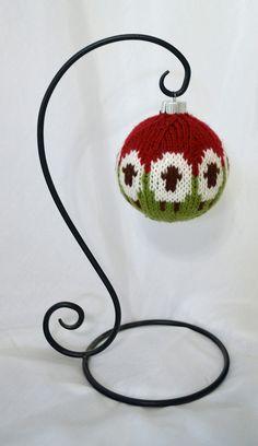 Sheep Balls Knitting pattern by Dona Carruth Christmas Balls, Christmas Crafts, Christmas Ornaments, Christmas Yarn, Christmas Ideas, Quilt Patterns, Sewing Patterns, Crochet Patterns, Christmas Knitting Patterns
