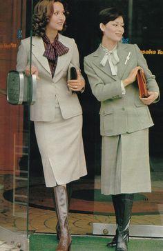 70s Fashion, Fashion Boots, Vintage Fashion, Womens Fashion, Fasion, Vintage Boots, Vintage Outfits, Skirts With Boots, Japanese Street Fashion