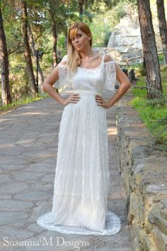 Vintage Wedding Dress Lace and Tulle Long by SuzannaMDesigns, €484.00
