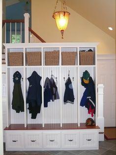 Home Decor Traditional Closet. クローゼットのインテリアコーディネイト実例