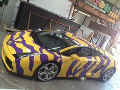 How passionate can an LSU fan be? Lafayette's Don Domingue bought a yellow Lamborghini Gallardo and then decided to add purple LSU Tiger stripes! Lsu Tigers Football, Football Girls, College Football, Louisiana State University, Tiger Stripes, Gold Stripes, New Orleans Saints, The Man, Nike Men