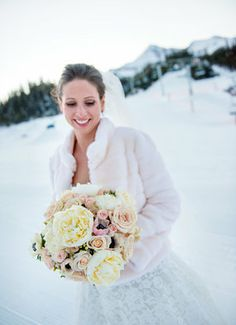 Oh oh oh! We LOVE winter weddings! #Yellowstonecountry