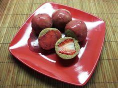 Celozrnné jahodové knedlíky s ovocným sirupem