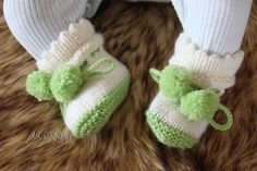 KNITTING PATTERN-baby booties-size newborn-reborn and month-easy booty knitting-baby socks inch reborn knitting pattern Easy Knitting, Knitting Socks, Baby Knitting Patterns, Baby Patterns, Baby Socks, Reborn Baby Dolls, Stockinette, Baby Month By Month, Baby Booties