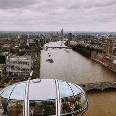 London Eye 🇬🇧👀 #WeLoveBS #WeLoveCIC #london  #Regram via @www.instagram.com/p/BlD2fjPnrNt/ British Summer, London Eye, College, Instagram, United Kingdom, England, Cities, University, Colleges