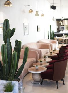 No 197 Chiswick Firestation | 5 Restaurants In London For The Design Lover During Decorex | Restaurant Interior. Restaurant Interiors. #restaurantinterior #restaurantdesign #decorex Read more: https://www.brabbu.com/en/inspiration-and-ideas/world-travel/restaurants-london-design-lover-decorex
